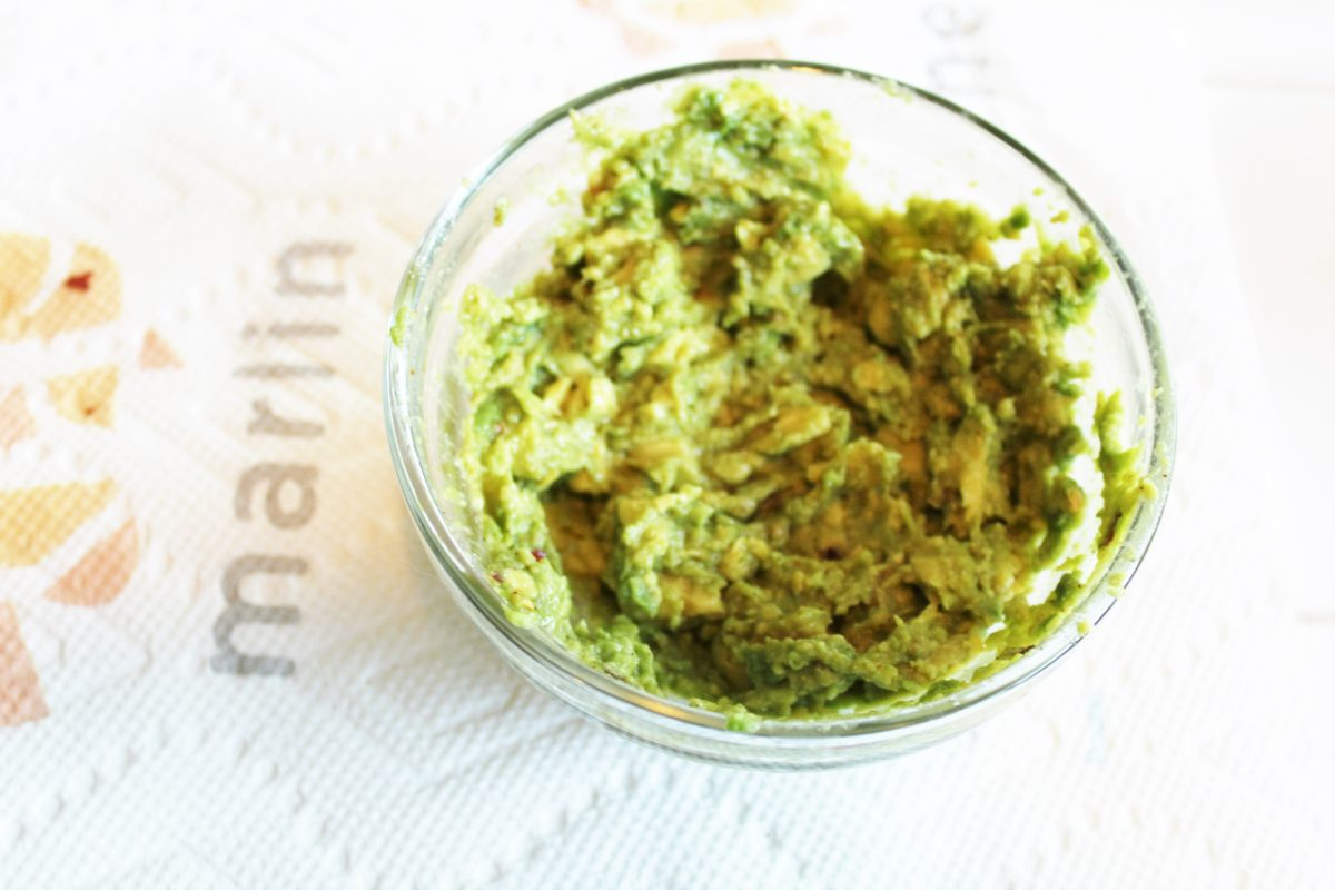 Healthy & Simple 1-2 Person guacamole