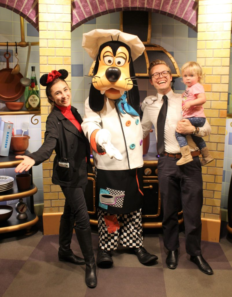 Goofy S Kitchen Review Disneyland Resort The Healthy Mouse