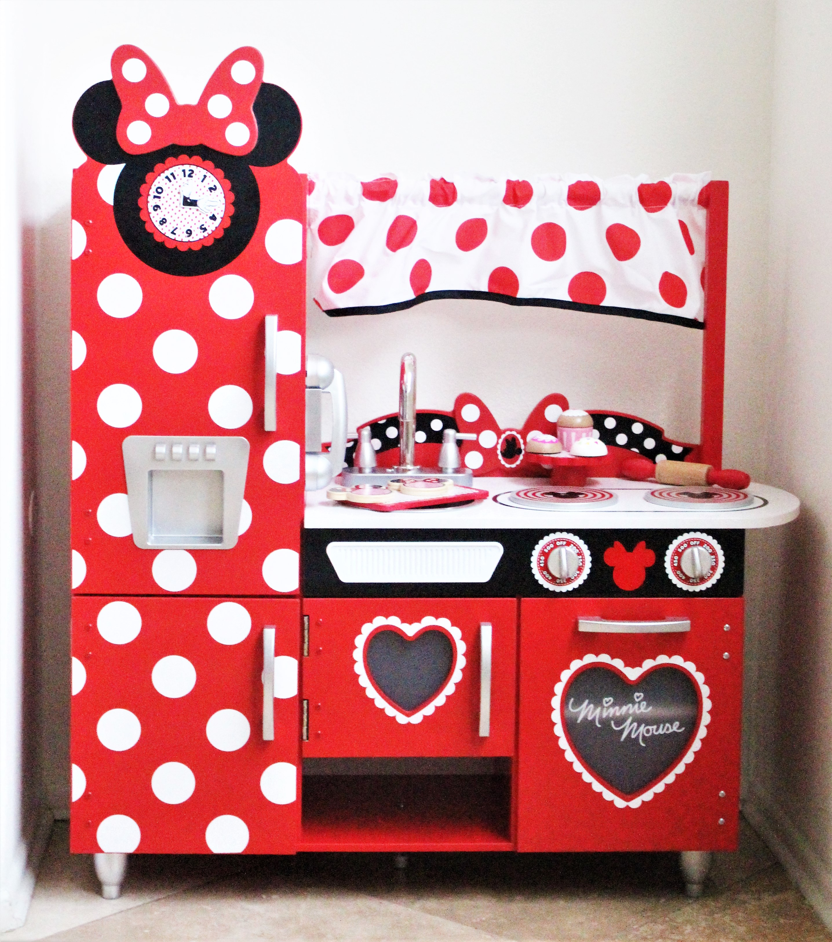 The Play Kitchen Every Minnie Mouse Fan Needs The