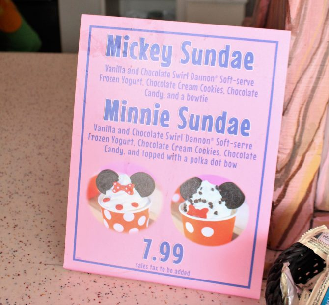 Minnie And Mickey Frozen Yogurt Disneyland Resort The