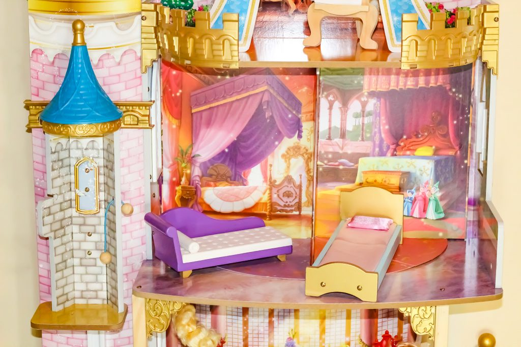Kidkraft Made The Most Epic Disney Princess Doll House